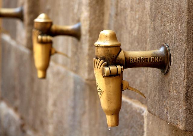 barcelona-953904_640